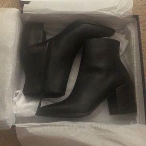 Stuart Weitzman Trendy bootie black calf leather